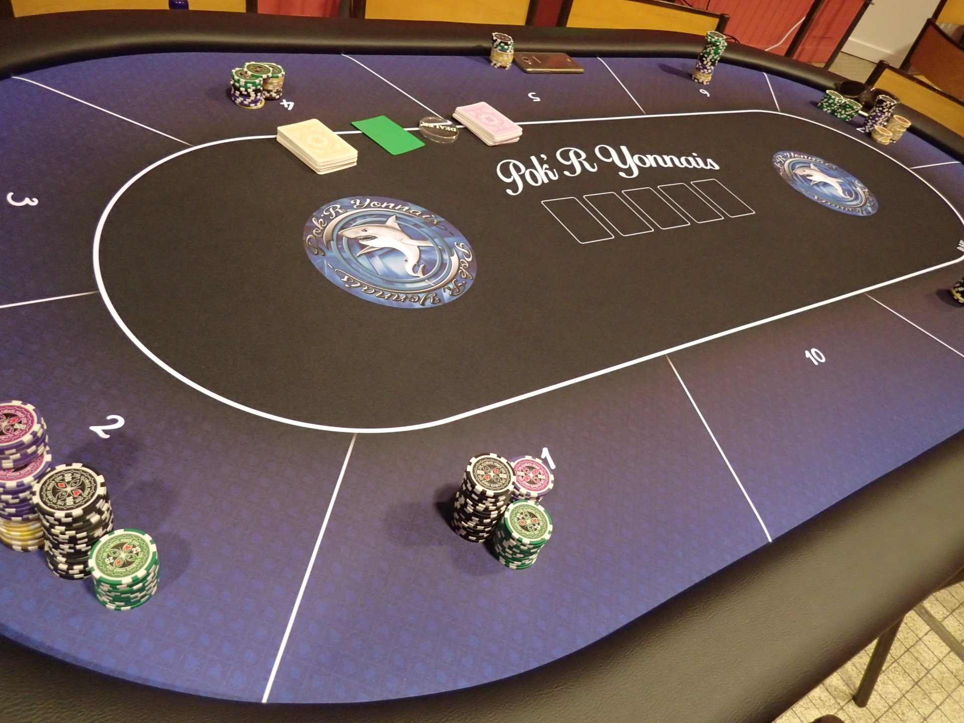 Salle Yvonne Logeais - Table de Poker - 2